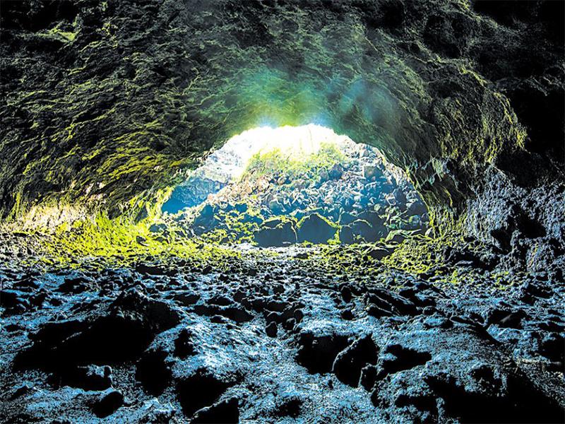 Hang động núi lửa Đắk Nông