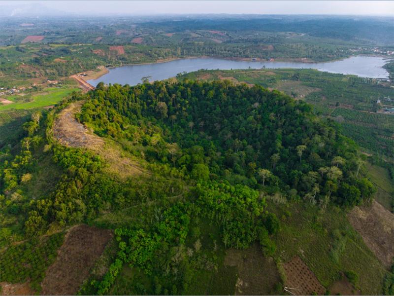 Núi lửa Nâm Glê - Đắk Nông